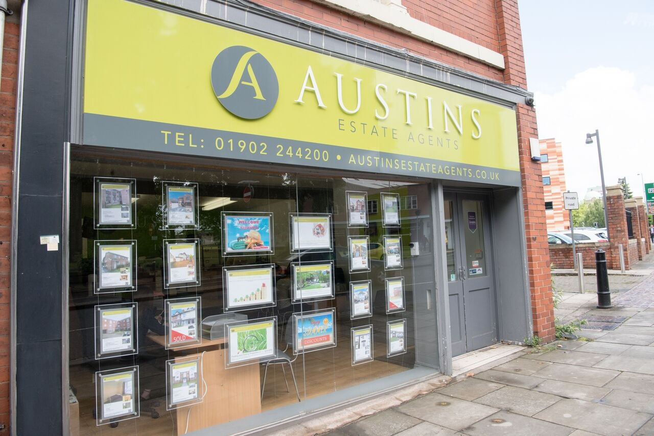 Why choose a Local Estate Agent? - Austins Estate Agents, Wolverhampton